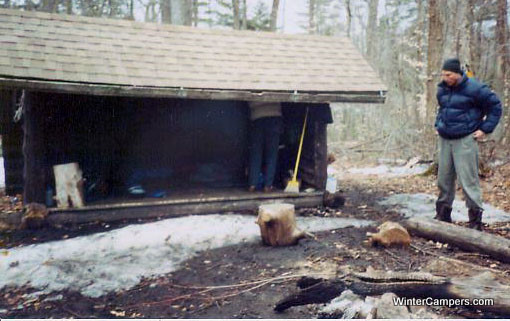 cat-mtn_matt-at-the-leanto